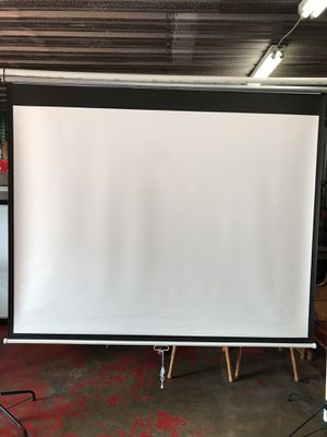 Movie Screen manual roll up. for Sale in Baton Rouge, LA
