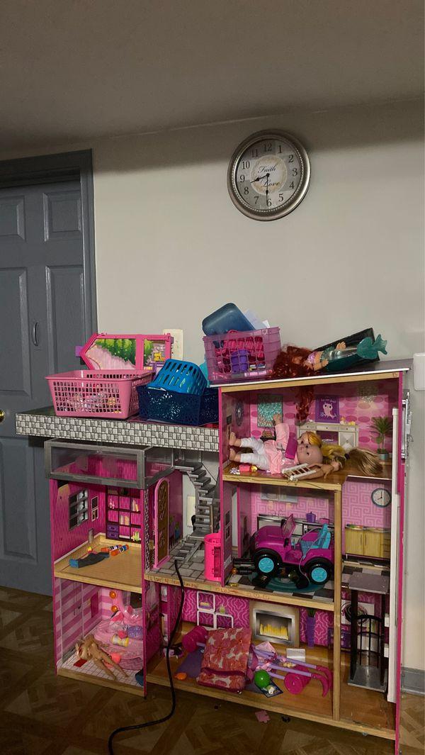 Big Barbie dollhouse