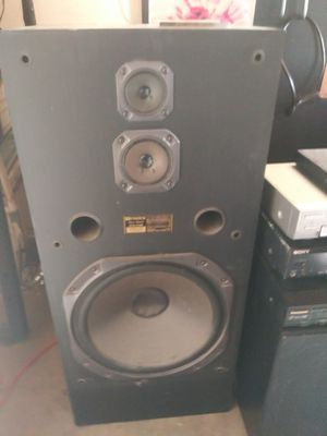 2 fisher speakers 15 inch woofers, 240 watts maximum, Super loud deep bass sound can run lots of power into them, $75 or best offer for Sale in Riverside, CA