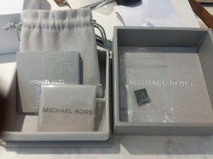 Michael kors bracelet for Sale in Tuckerton, NJ