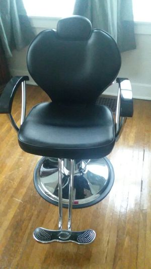Barber chair for Sale in Stanford, KY