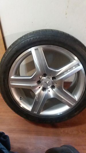 Mercedes-Benz rims and tires for Sale in Hattiesburg, MS