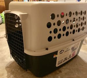 Large Dog Carrier/Kennel for Sale in Sterling Heights, MI