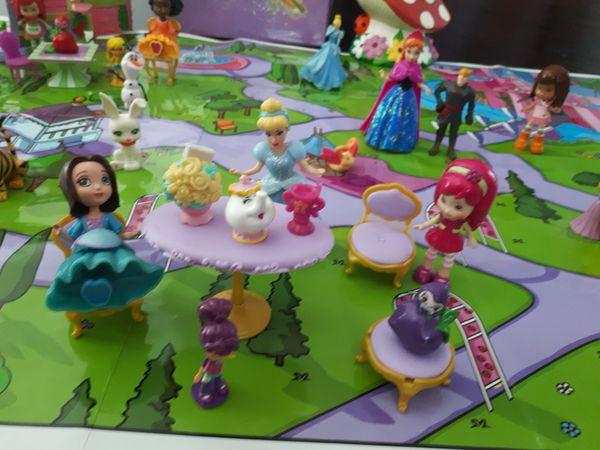 Disney princess/strawberry shortcake lot!!