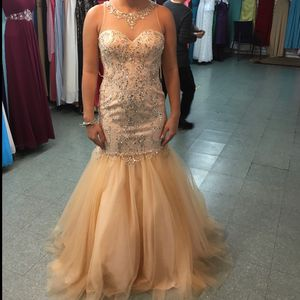 Gold/champagne prom dress Size M (women's 7/8) for Sale in Croydon, PA