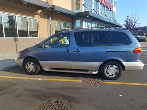 2000 Toyota Sienna XLE for Sale in Bellevue, WA