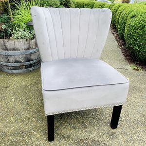 Beautiful Gray Velvet Nailhead Trim Accent Chair (LIKE NEW CONDITION) for Sale in Renton, WA