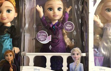 Frozen 2 bundle for $45 for Sale in Sacramento,  CA