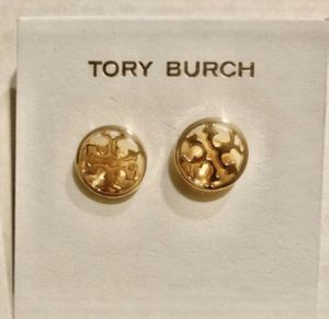 TORY BURCH GOLD LOGO DESIGNER ROUND STUD EARRINGS for Sale in Macomb, MI