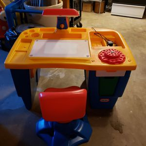 Little Tikes desk-lighted for Sale in Puyallup, WA