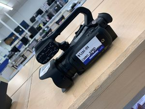 Canon XA30 Camcorder for Sale in Chicago, IL
