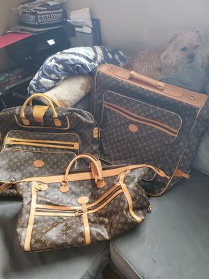 3 peice louis Vuitton luggage set. for Sale in East Gull Lake, MN