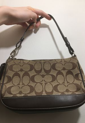 Coach authentic lightly worn mini bag for Sale in Chicago, IL