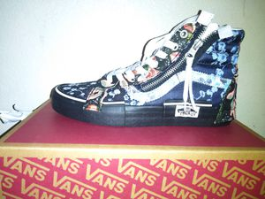 Vans sk8-hi Reissue Ca (florals) size 7 for Sale in Sacramento, CA