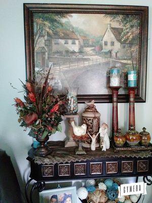 Florero con vase de metal muy pesada. Uso normal for Sale in Houston, TX