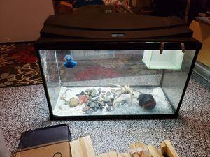 30 gallon aquarium for Sale in Austin, TX