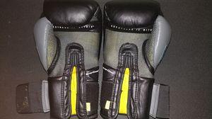 Everlast Boxing gloves 16oz black for Sale in Fairfax, VA