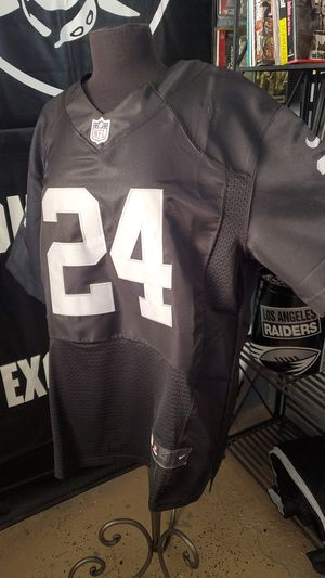 RAIDERS MARSHAWN LYNCH#24 NIKE jersey size 48(Large) for Sale in Los Angeles, CA