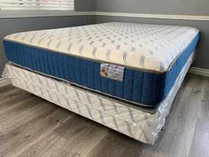 Queen supreme orthopedic mattress and boxpring for Sale in Fresno, CA