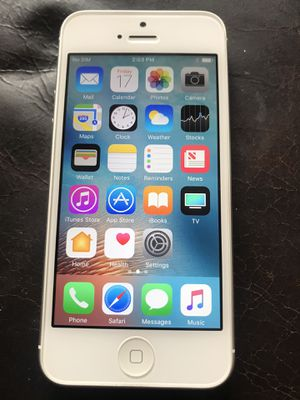 iPhone 5 16gb unlocked (excellent condition) for Sale in Hawthorne, CA