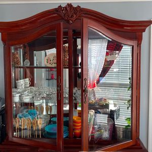 china cabinet for Sale in Leesburg, VA