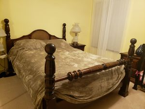 Four poster bed. for Sale in Coral Springs, FL