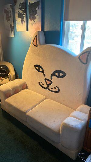 Rip N Dip Nermal couch for Sale in Riverside, CA