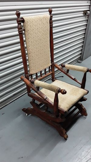 Antique rocking chair for Sale in Lynwood, CA
