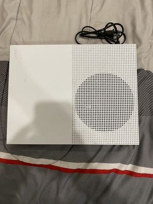 Xbox 1 s 500 gb 5 games 2 controllers 1 week game pass or sold separately for Sale in Davie, FL