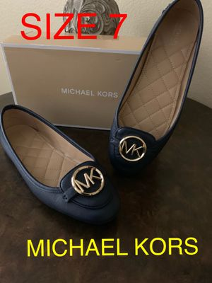 MICHAEL KORS SIZE 7 $40 DllS ORIGINAL for Sale in Fontana, CA