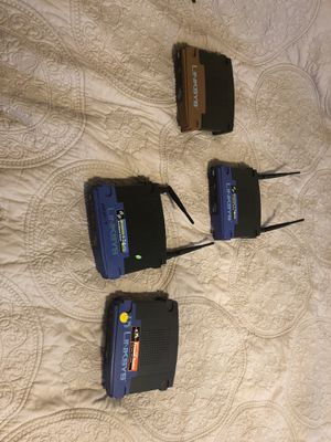 Lot of 4 Linksys Router. NOT TESTED for Sale in Oakland, IL