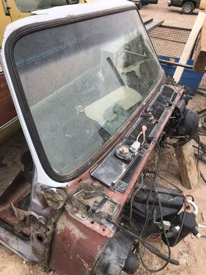 C10 suburban Glass Windshield for Sale in Las Vegas, NV