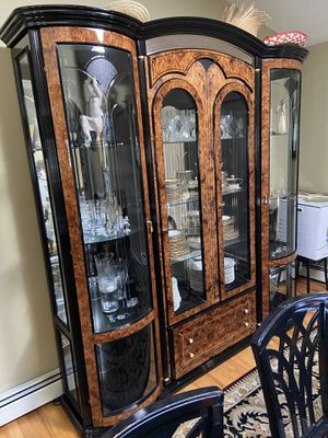 Dining Room & China Closet Matching Set for Sale in Commack, NY