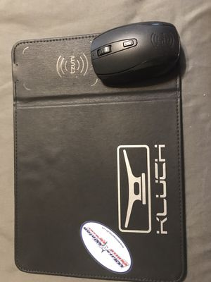 Wireless Mouse w/ Wireless charging pad! for Sale in Boynton Beach, FL