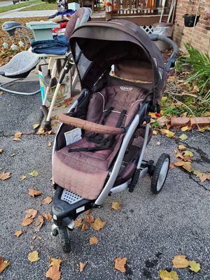 Graco 3 wheel stroller for Sale in North Tonawanda, NY