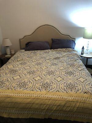 Queen bed set. for Sale in Zephyrhills, FL
