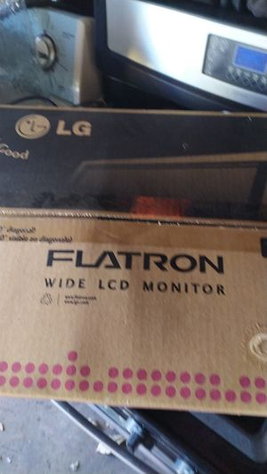 LG flatron wide LCD monitor for Sale in Bellwood, IL