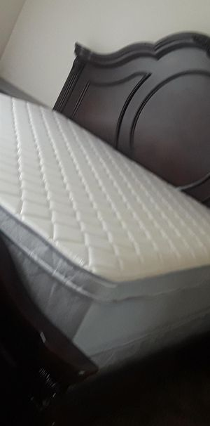 Pillow top king size mattress only $299.99 free delivery available for Sale in Riverview, FL