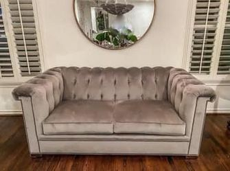 Hickory Chair Love Seat for Sale in Dallas,  TX