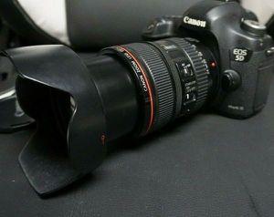 Canon EOS 5D Mark III 22.3 MP Digital SLR Camera for Sale in Dallas, TX