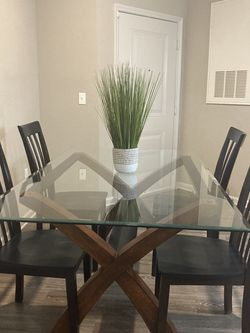Beautiful Glass Top Dining Room Table Set with 4 Chairs for Sale in Clearwater,  FL