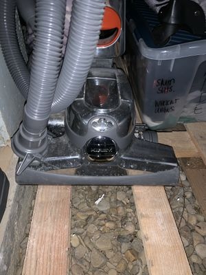 Great Kirby Vacuum System with shampoo attachments for Sale in Acampo, CA