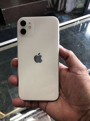 iPhone 11 128gb for parts only blocked by apple for Sale in Los Angeles, CA