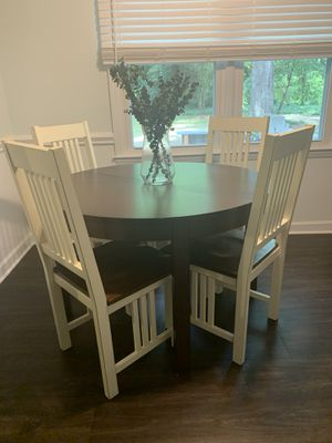 Extendable kitchen table and four chairs for Sale in Charlotte, NC
