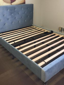 Full Size Tufted Bedframe In Blue Velvet for Sale in Ontario,  CA