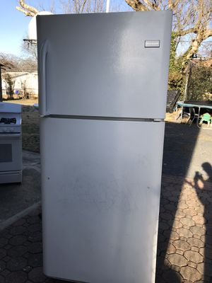 Frigidaire refigerator for Sale in Aspen Hill, MD