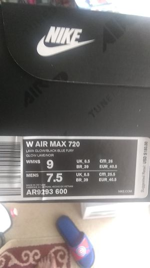 Air Max 720 woman for Sale in Peoria, IL