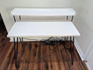 Writing desk for Sale in Laguna Niguel, CA