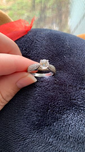 Ring for Sale in Quincy, IL