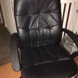 Tall, Comfortable, Ergonomic, Lumbar Support, All Leather Black Office Chair for Sale in Pembroke Pines, FL